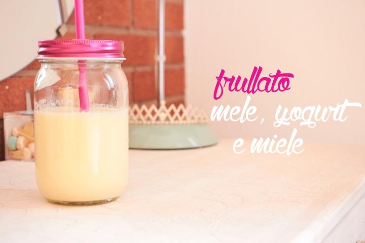 Frullato mela, yogurt emiele