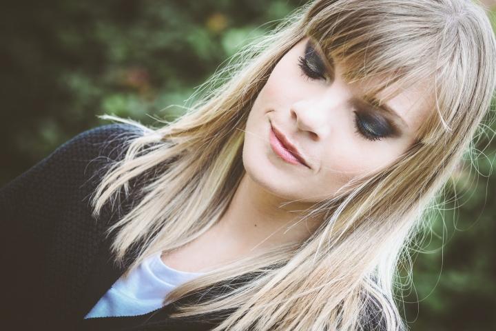 make-up-tutorial-smokey-blu-oro-ris-3