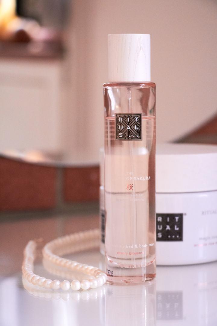 Bed body spray sakura